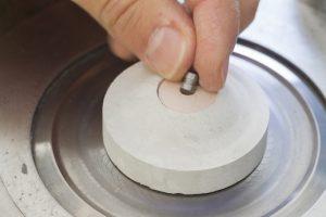 Reacteur avec sa capsule permettant des réactions sous hautes pressions